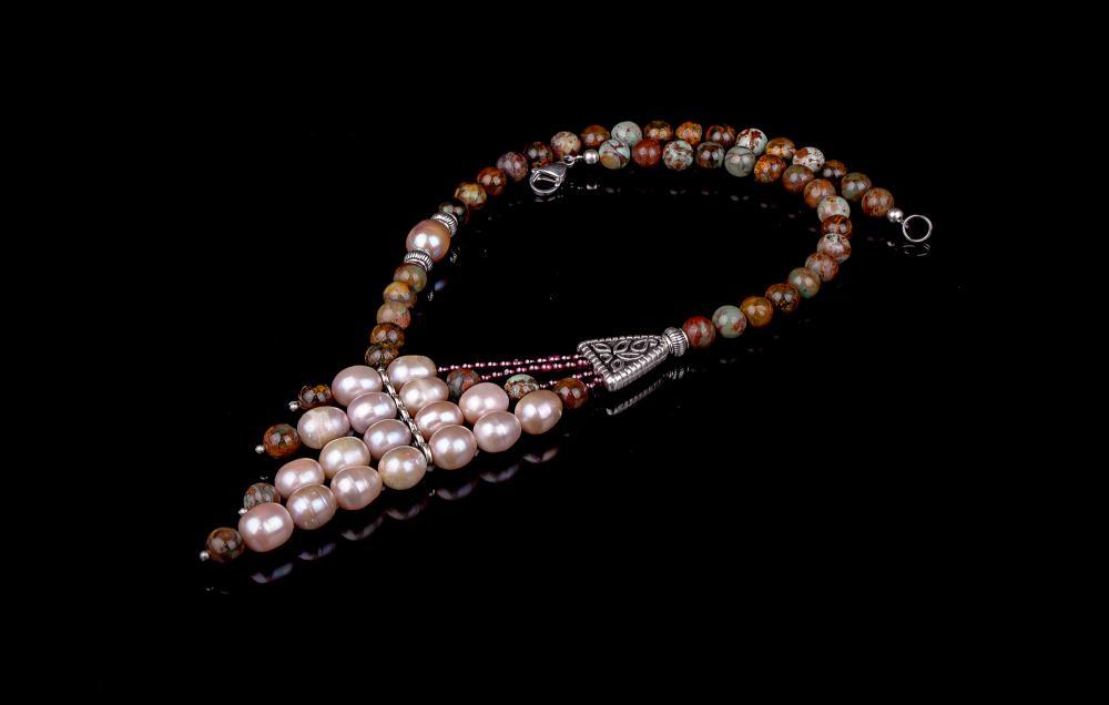 Riolit-Perle-Granat